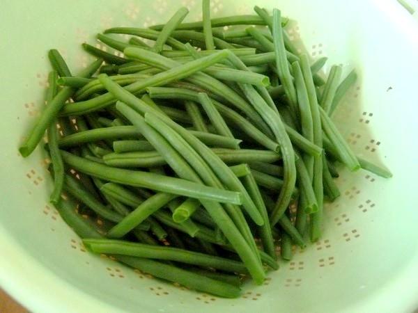 haricots verts patates douces au tofu equeuter rincer
