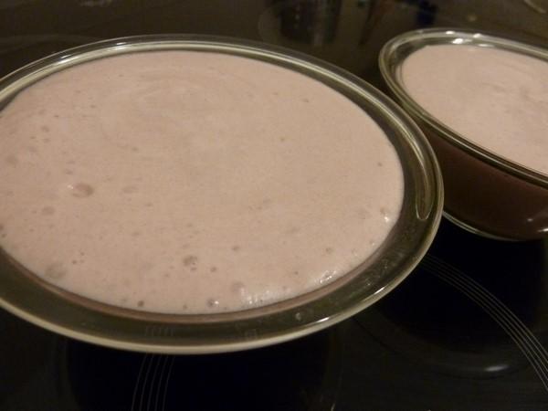 mousse a la gelee de cassis coupe dessert