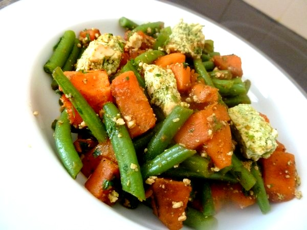 haricots verts patates douces au tofu servir chaud