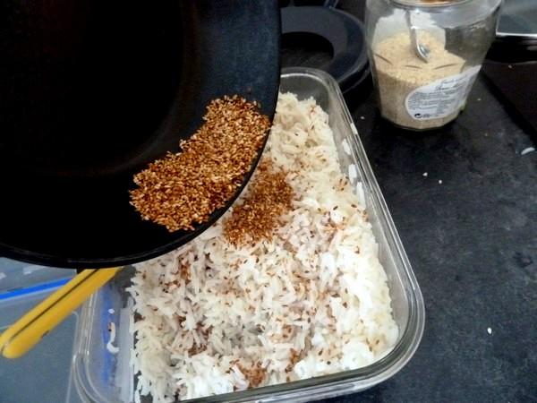 champignons a la tomate et riz sesame ajouter graines chaudes