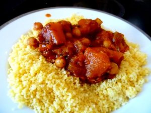 couscous vegan courge musquee pois chiches servir