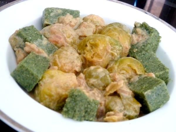 choux de bruxelles polenta spiruline servir chaud