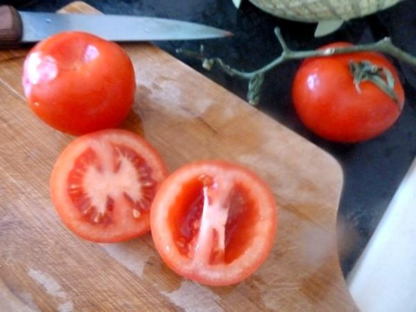 chou chinois et pommes de terre tomates
