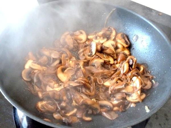 champignons a la tomate et riz sesame reduire