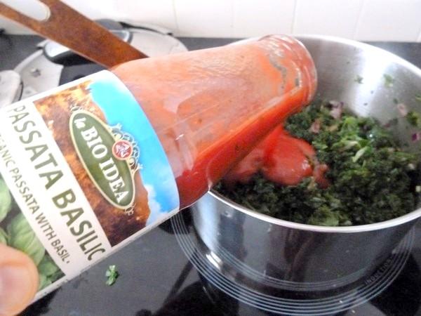 pates sans gluten au chou kale puree tomates