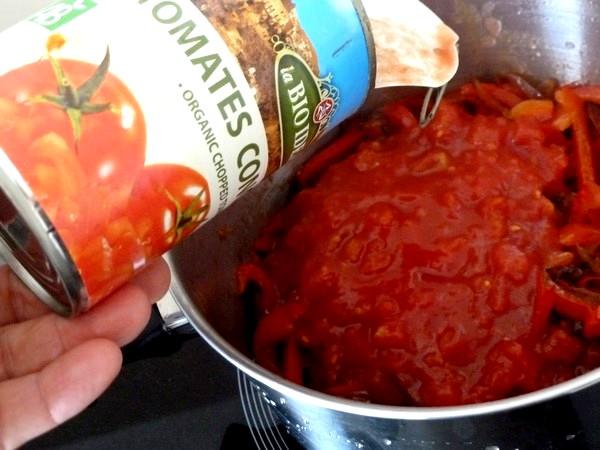 spaghettis aux poivrons et aubergines tomates