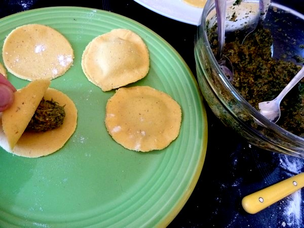 raviolis salade cajou et sauce tomate fourrage