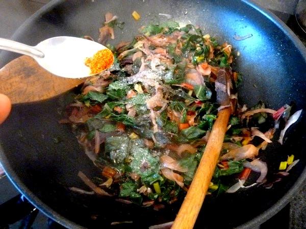 tarte aux graines blettes et oignon rouge piment espelette sel