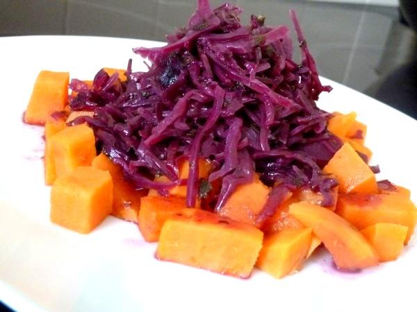 chou rouge aux aromates et patates douces deguster