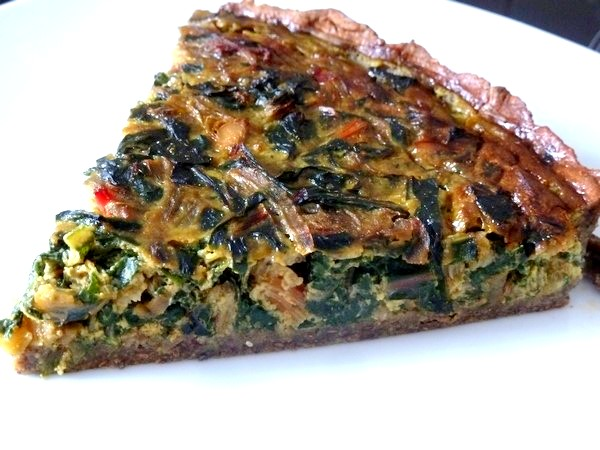 tarte aux graines blettes et oignon rouge decouper