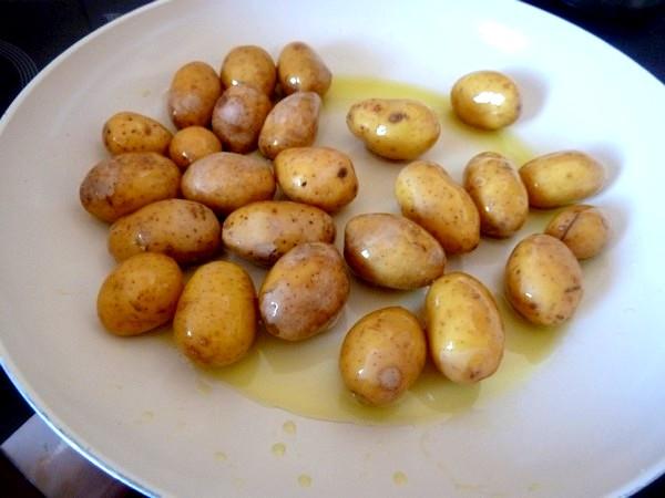 chou romanesco aux pommes grenaille huile d'olive
