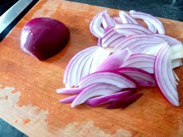 spaghettis aux poivrons et aubergines oignon