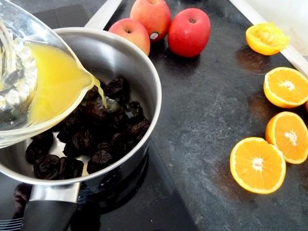 pommes pruneaux cuits au jus orange