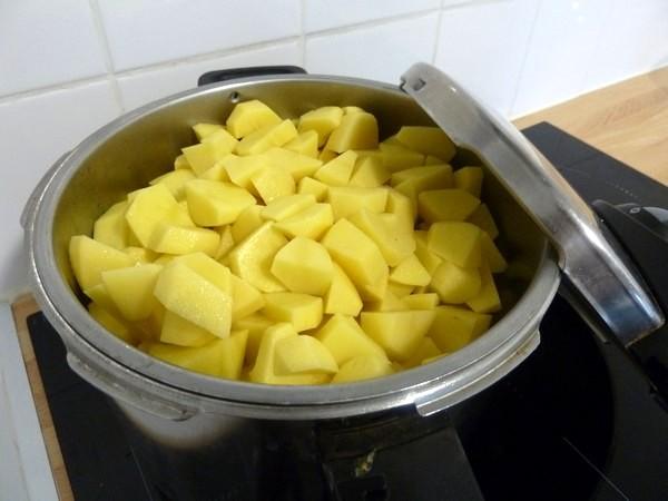 pommes de terre aux cebettes sauge et graines de chia