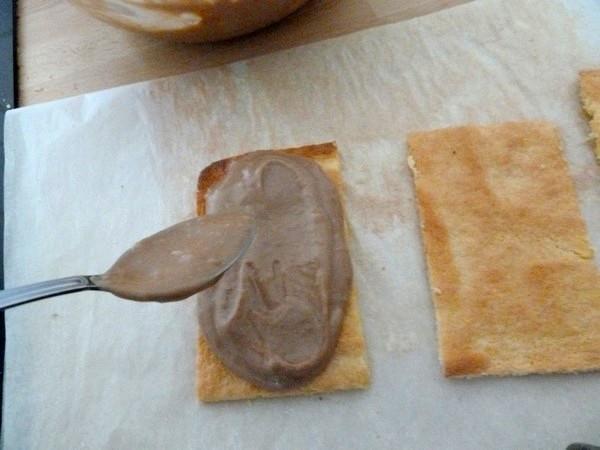 bûche sans gluten pralinée